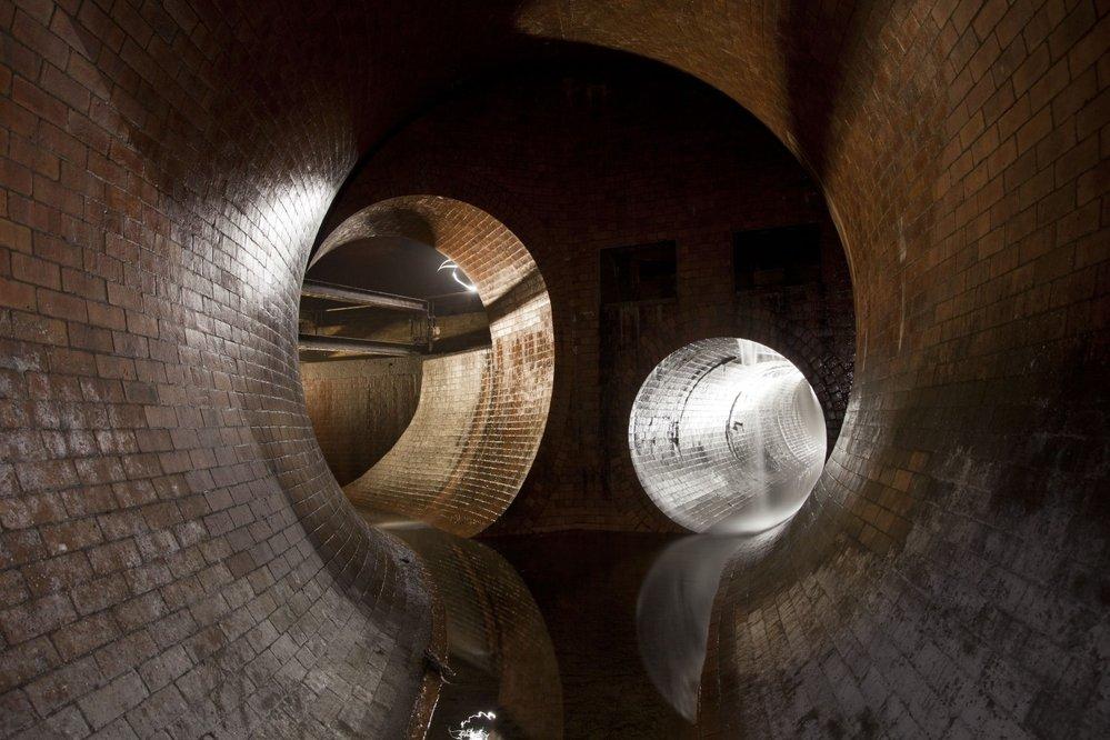 Podzemní křižovatka pod londýnským Kingsbridge