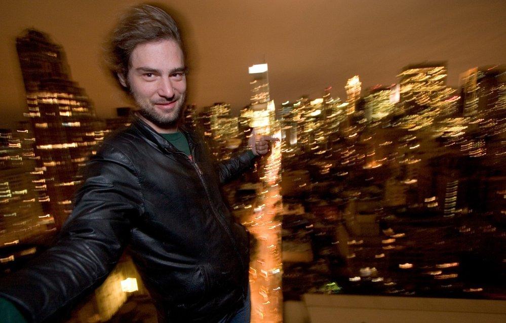 Steve Duncan na střeše manhattanské budovy