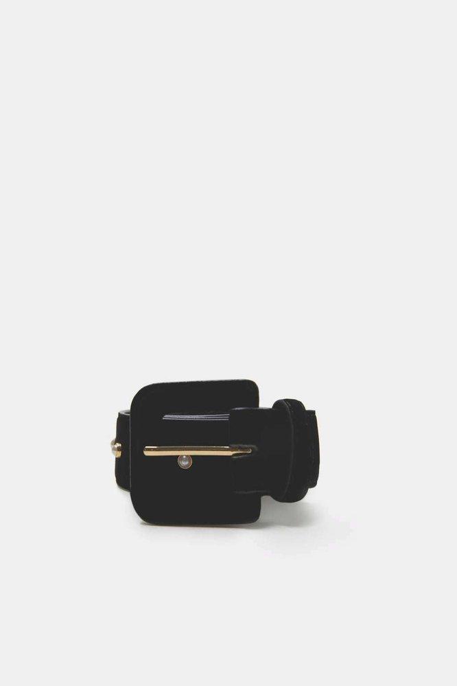 Sametový pásek s perlou, Zara, 549 Kč
