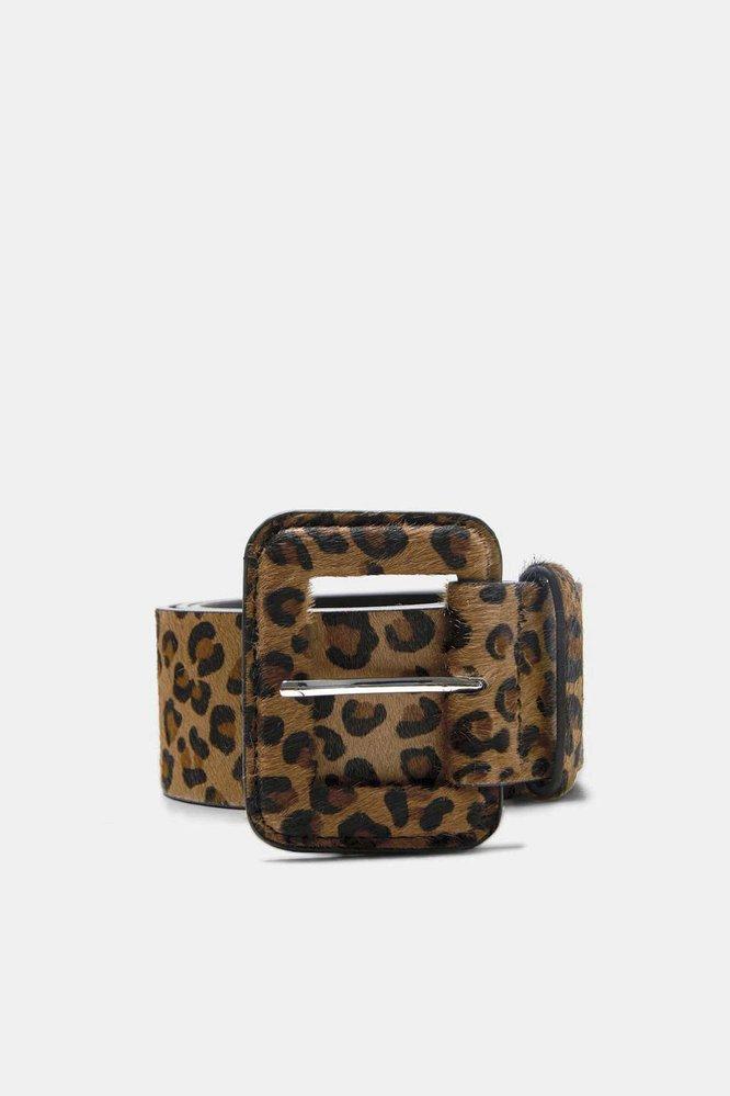 Kožený pásek s leopardím potiskem, Zara, 699 Kč
