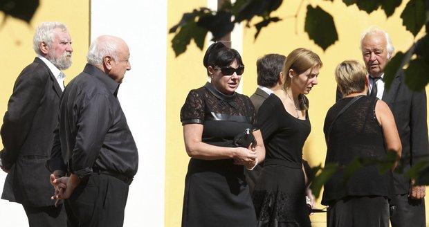 Dáda byla na pohřbu své tety.