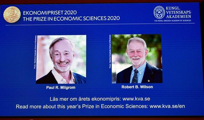 Paul R. Milgrom a Robert B. Wilson získali Nobelovu cenu za ekonomii