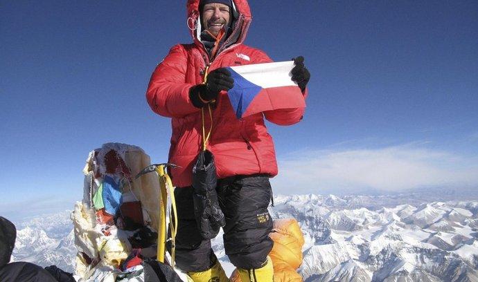 Pavel Bém na vrcholu nejvyšší hory světa