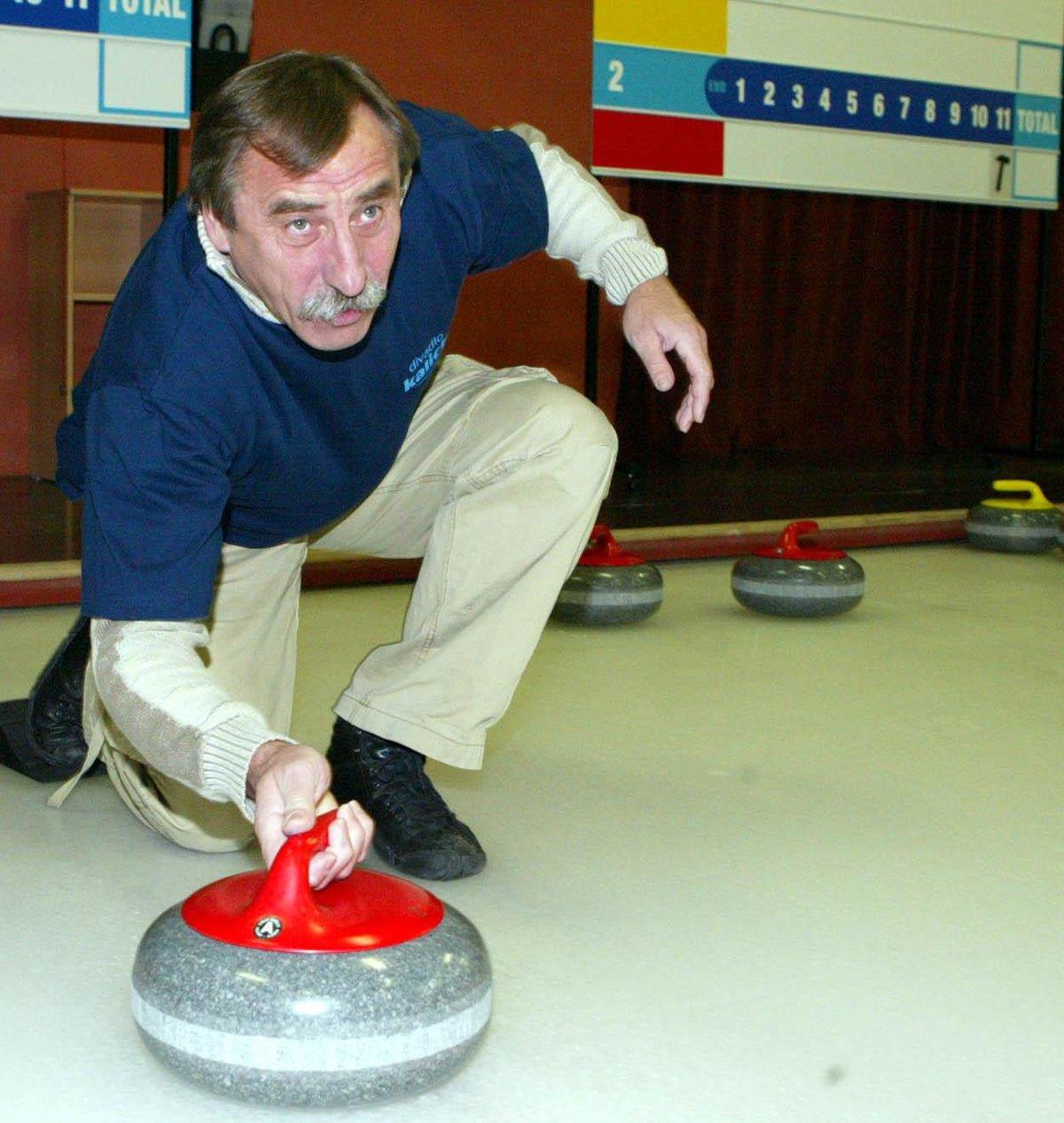 Pavel Zedníček má rád i curling