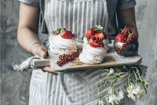 Mini Pavlova: Recept a galerie nejkrásnějších dortíků, které miluje celý svět!