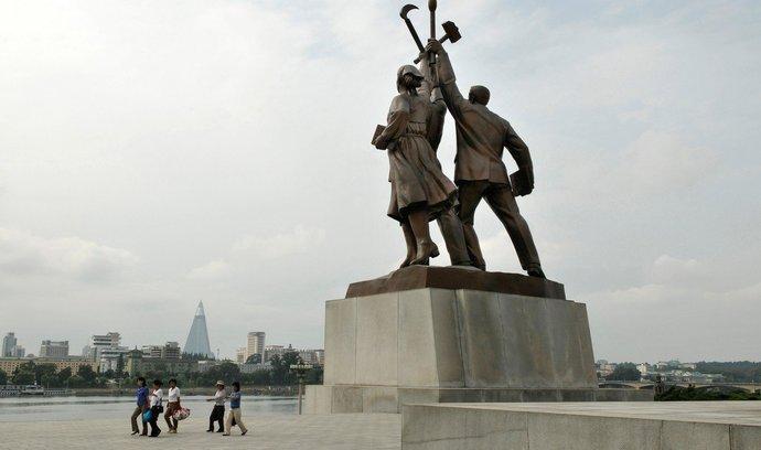 Sousoší v Pchjongjangu