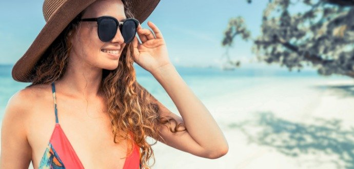První pomoc pro unavené vlasy: zachovejte si zdravou hřívu i po dovolené