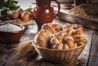Domácí housky, toustový i podmáslový chléb. Dopřejte si čerstvé pečivo i bez návštěvy obchodu!