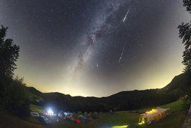Kde a kdy pozorovat Perseidy? Srpnovou oblohu rozzáří roj až 100 meteorů za hodinu