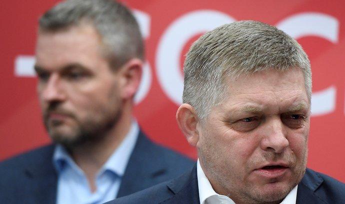 Slovenský expremiér Peter Pellegrini (vlevo) odchází ze stany Směr-SD po rozporech s jejím šéfem Robertem Ficem