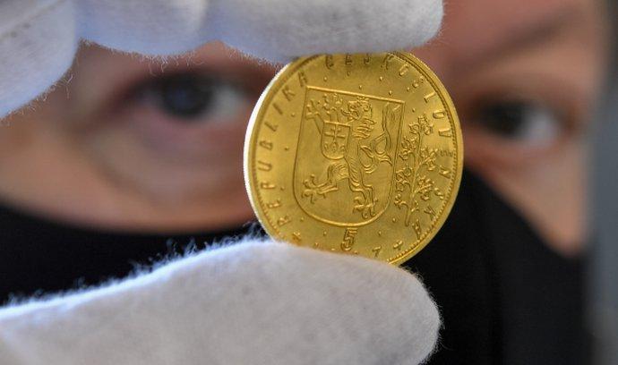 Svatováclavský pětidukát z roku 1937 se loni vydražil za rekordní sumu 23 milionů korun.