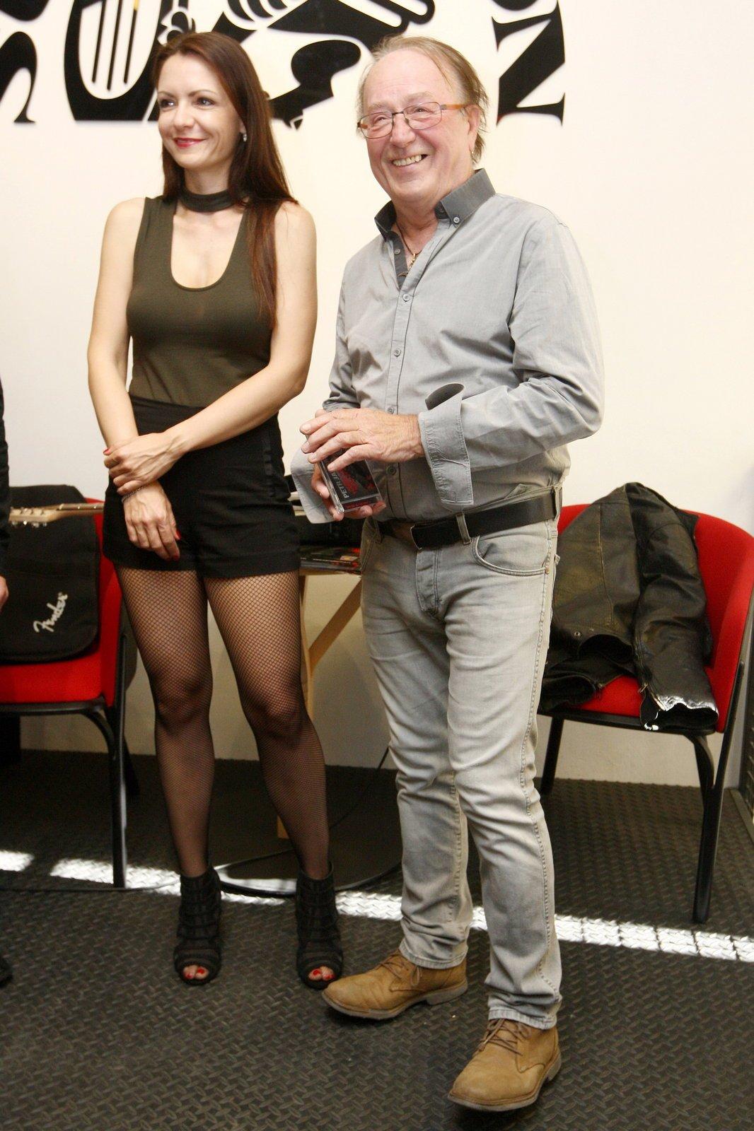 Petr Janda s manželkou Alicí Jandovou na křtu jeho alba.