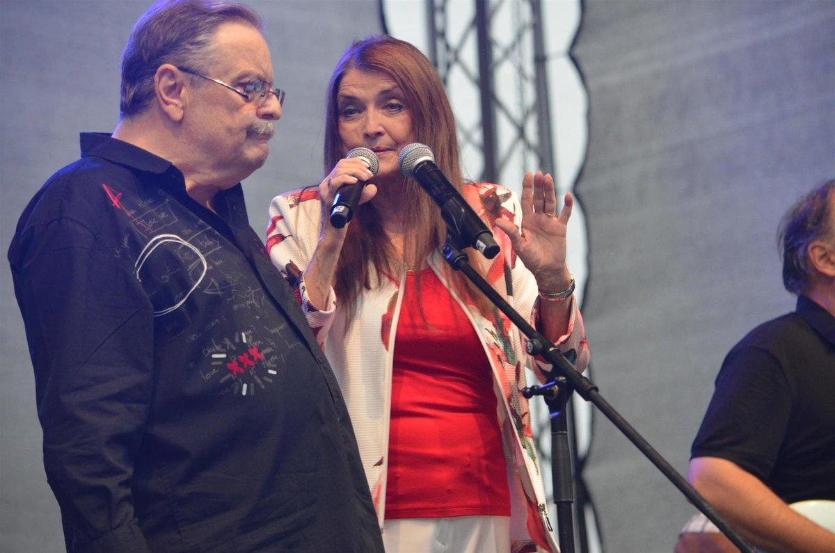 S manželkou Miluškou Voborníkovou by se rád vrátil na pódia.