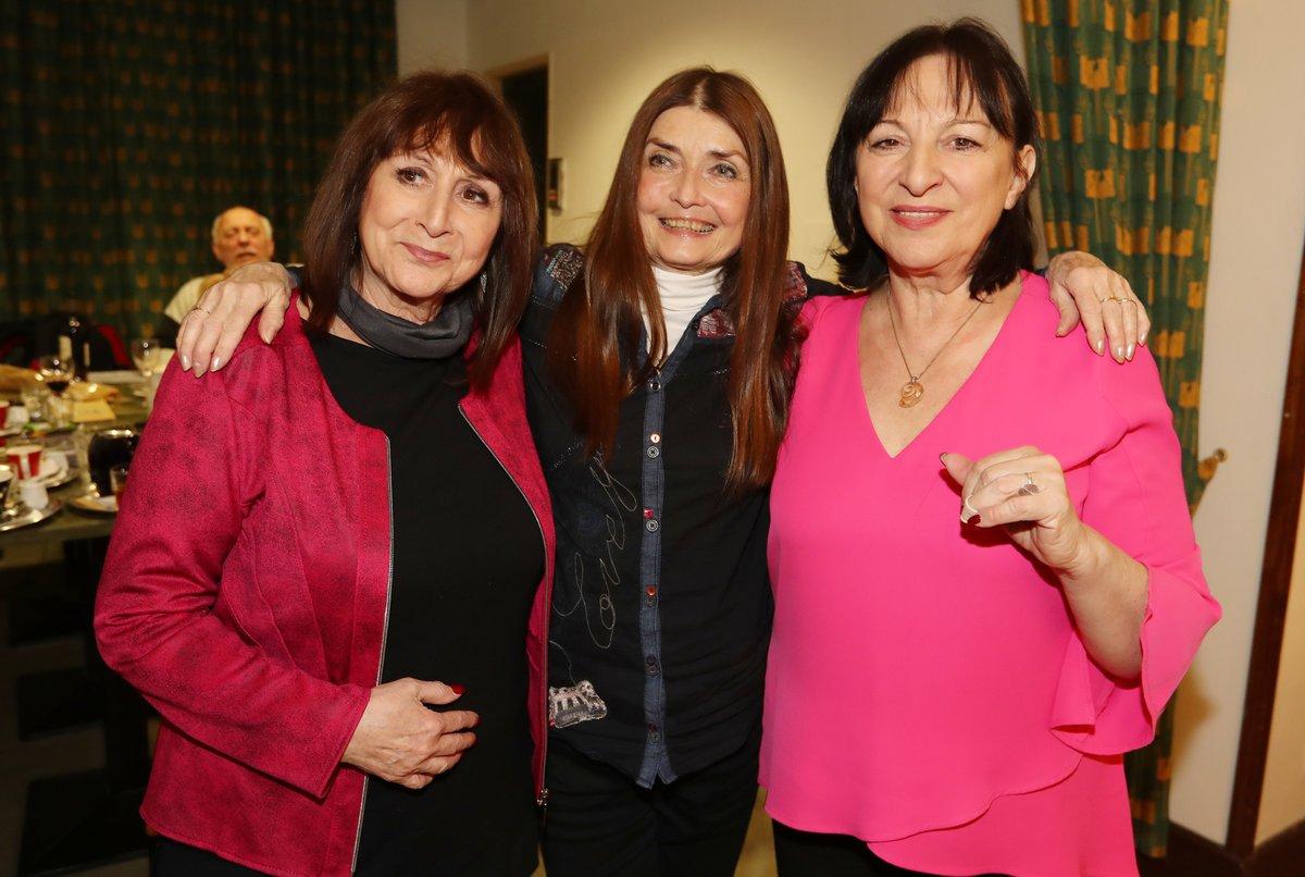 Miluška Voborníková s Marthou (vpravo) a Tenou Elefteriadu na křtu