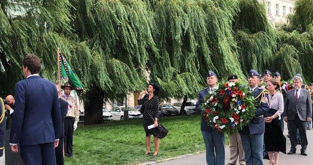 Na Klárově proběhla slavnostní pieta k uctění československých vojáků, kteří bojovali za druhé světové války pro RAF