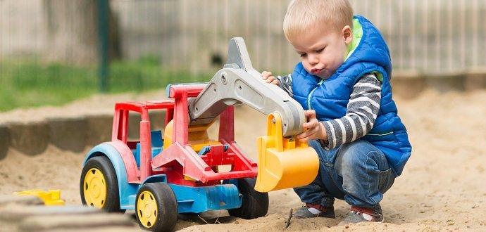 Hurá na písek! Připravte dětské pískoviště na novou sezonu