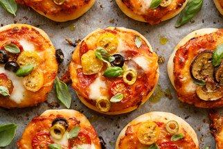 Pizza housky, omeletky a párky v těstíčku: Skvělé večeře za pár minut