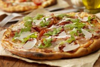 Jak si udělat domácí pizzu krok za krokem