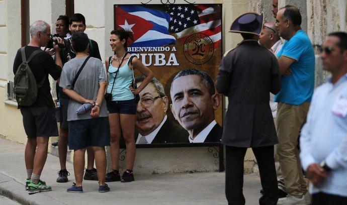 Plakáty v ulicích Havany vítají Baracka Obamu