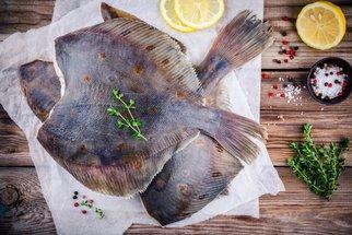 Jak připravit platýse? Nemusíte se bát placaté ryby!