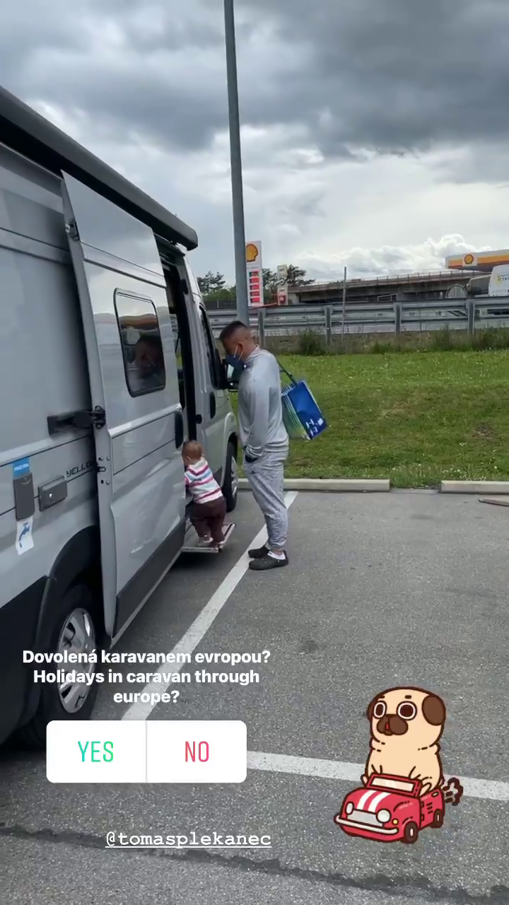 Leontýnko, nastupovat, jede se na výlet
