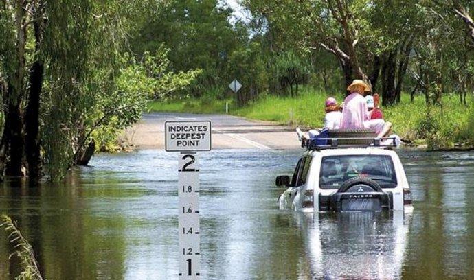 Pod vodou. Záplavy v australském státě Queensland během posledních dvou týdnů postihly nejméně 200 tisíc lidí. Škody byly předběžně vyčísleny na miliardu australských dolarů (19 miliard korun)