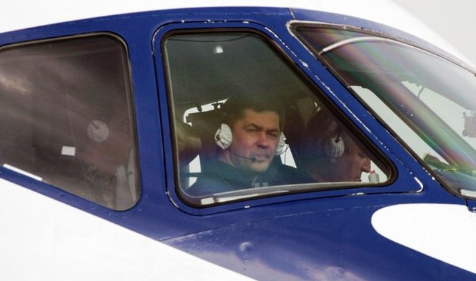 pohled do kabiny letounu Suchoj Superjet 100