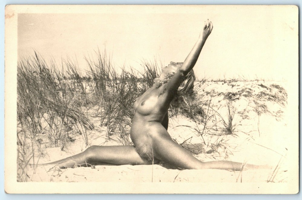 Tyhle nahé pohlednice povzbuzovaly Hitlerovy vojáky