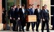 Pohřeb studenta Otto Warmbiera, který zemřel šest dní po svém propuštění z KLDR.