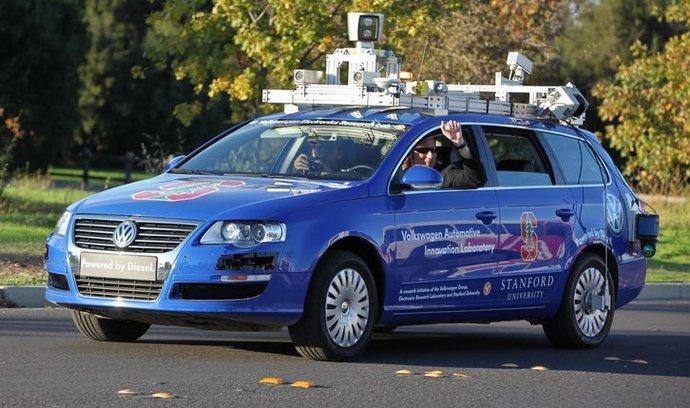 Pokusné automaticky řízené vozidlo Stanfordské univerzity.