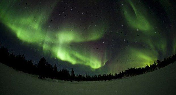 VIDEO: Polární záře jako z jiné planety