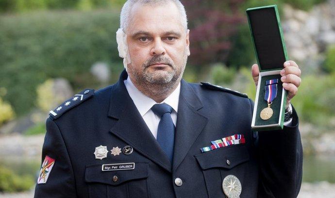 policejní vyjednavač Petr Gruber, který zasahoval při útoku psychicky nemocné ženy ve škole ve Žďáru nad Sázavou.