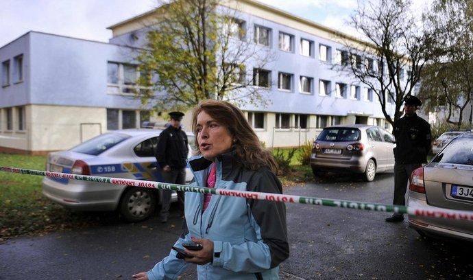 Policejní zásah ve Střední škole obchodní a služeb Českomoravského svazu spotřebních družstev ve Žďáru na Sázavou