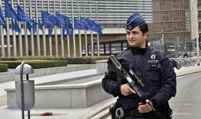 Policie hlídkuje před sídlem Evropské komise