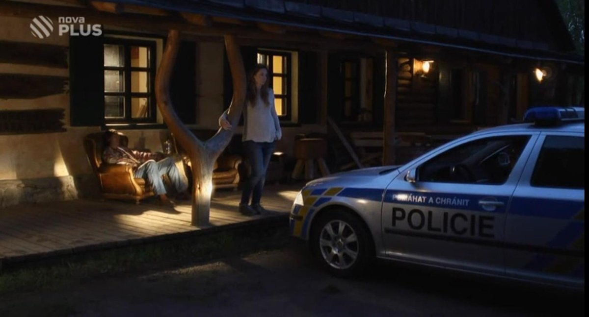 Ranč Vogelsang v první řadě seriálu Policie Modrava, epizoda Ranč.