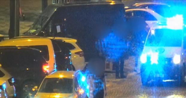 Policisté řidiči nejdříve sundali botičku, pak sedl do auta opilý a chytli ho znova