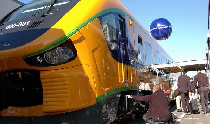 Polský výrobce PESA Bydgoszcz ukazal vlak Link II, který se pod jménem RegioShark objeví na regionálních tratích Českých drah