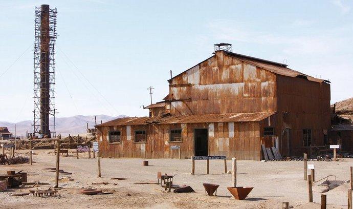 Pomalá zkáza. V některých částech pouště Atacama i desítky let nezaprší, ruiny Humberstonu tak reznou a chátrají velmi pomalu.