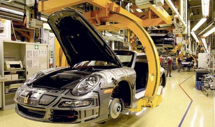 Porsche hlásí prodejní rekord.