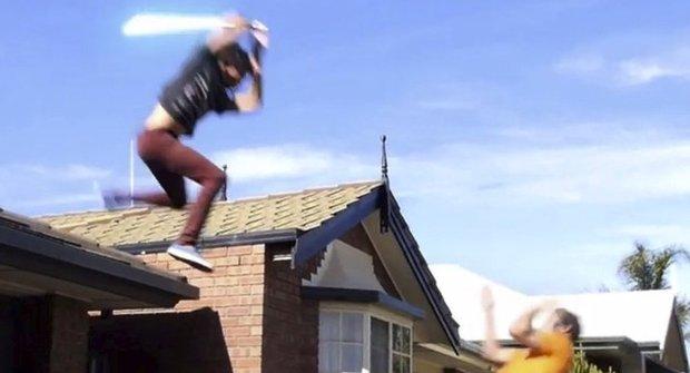 Jedi ze Star Wars bojuje s čarodějem z Harryho Pottera