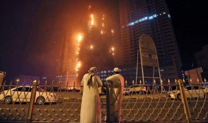požár Dubajského obytného mrakodrapu