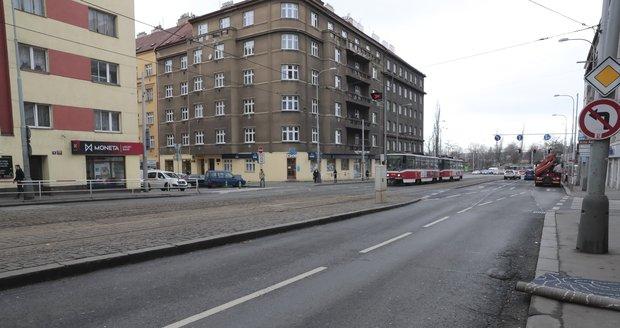V okolí ulice Jana Želivského figurovali chodci loni u 13 nehod.