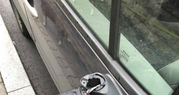 V Praze 3 řádí vandal. Ničí zdejší auta
