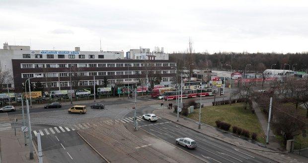 Křižovatka ulic Olšanská a Jana Želivského na pražském Žižkově.