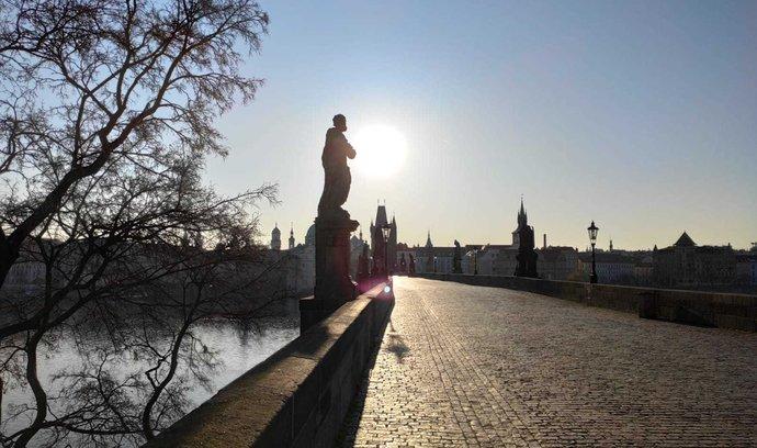 Boj s koronavirovou pandemií vylidnil i centrum Prahy (ilustrační foto)-
