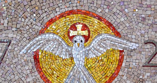 Radotínská fara má novou mozaiku.