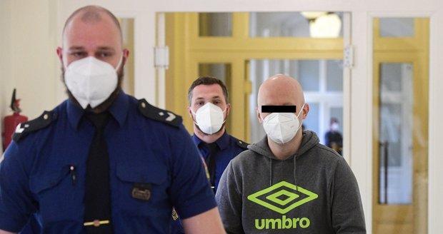 Bývalý pražský policista stanul 29. dubna 2021 před tribunálem Městského soudu v Praze.