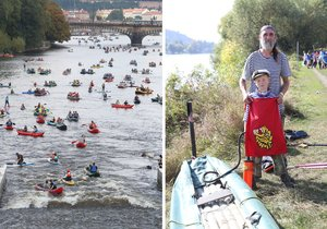 Hundreds of paddlers passed through the center of Prague.  (September 28, 2021)