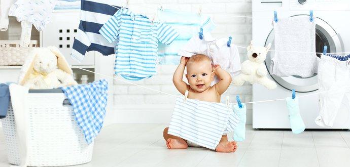 Poradca pre mamičky: 5 tipov, ako prať oblečenie pre bábätká