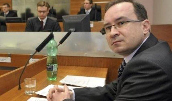 Předseda Dělnické strany Tomáš Vandas u Nejvyššího správního soudu v Brně, kde začalo 11. ledna řízení o druhém vládním návrhu na rozpuštění jeho strany.
